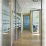 Decorazione vetrata aziendale
